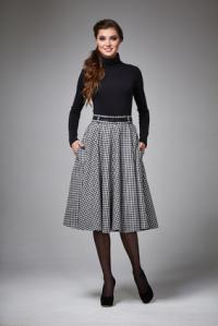 7ae6326093fc Sie haben eine schmale Taille  Dann zeigen Sie diese z.B. durch taillenhohe  Röcke